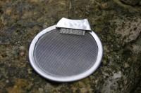 Edelstahlsieb mit Bürstchen (d ca. 6 cm)